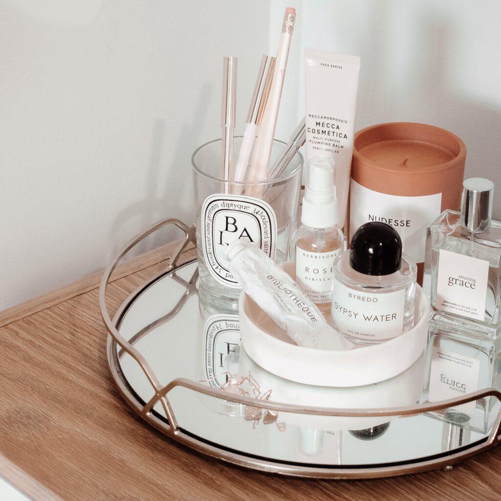 rak kosmetik