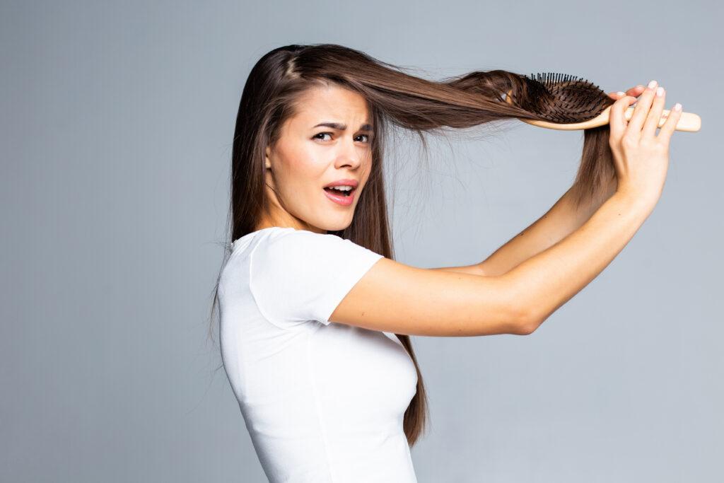 rambut kusam dan kusut
